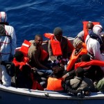 Italy rescues almost 1,000 boat migrants