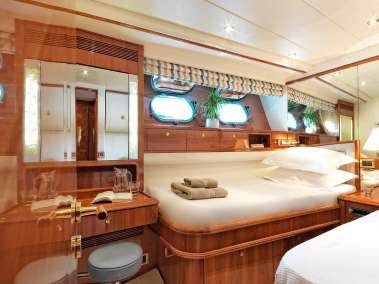 Atalanti luxury charter yacht