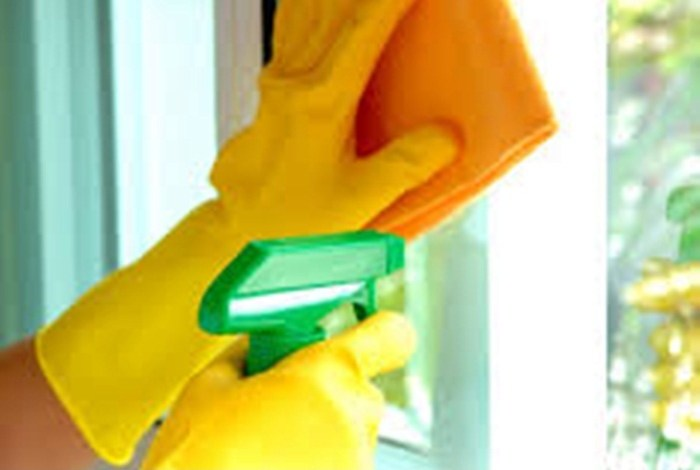 Photo of 4 حيل لتنظيف زجاج النوافذ بمواد طبيعية