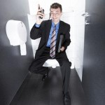 6 اشياء ممنوع عملها في المرحاض