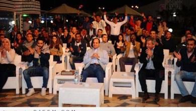 Photo of فيديو وصور: السيسي يتابع مباراة مصر وغانا وسط الشباب بـ أسوان