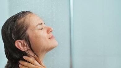 Photo of هل يسبب الاستحمام أثناء الطمث أي أضرار للمرأة؟