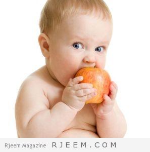 تغذية الرضع من ثلاثة اشهر الى اثنا عشر شهرا