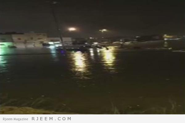 Photo of فيديو: هكذا أنقذ هؤلاء الشباب محتجزي الأمطار بالخرج