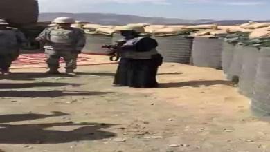 Photo of فيديو: بالخوذة والسلاح.. الإعلامية فاطمة العنزي تساند أبطالنا في الحد الجنوبي