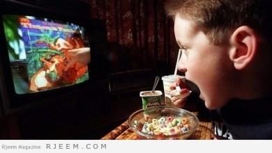 Photo of لهذه الأسباب لا تأكل وأنت تشاهد التلفزيون