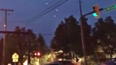 Photo of بالفيديو: أجسام طائرة مضيئة في سماء أمريكا