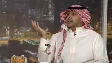 Photo of شاهد: مواجهة حادة بين عميد كلية حريملاء والمواطن المعترض على عدم السماح لزوجته بالخروج
