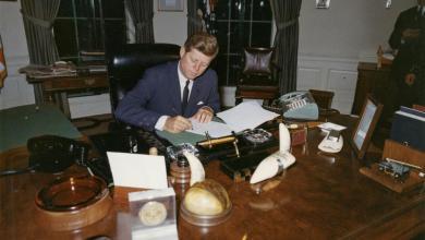 Photo of ترامب يتعهد بكشف جميع وثائق اغتيال كينيدي
