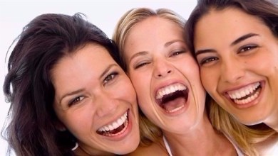 Photo of النساء أكثر سعادة من الرجال خلال العزوبية