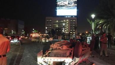 Photo of مصرع وإصابة 5 بحادث انقلاب أمام برج الشاشة بجدة