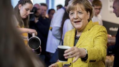 Photo of لماذا تحرص ميركل على تقديم القهوة بنفسها لضيوفها؟