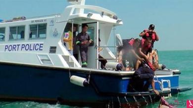 Photo of 8 غرقى و13 مفقوداً بانقلاب زورق في إندونيسيا