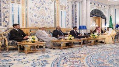 Photo of الملك يستقبل عميد السلك الدبلوماسي ورؤساء المجموعات الدبلوماسية