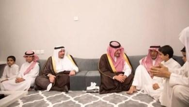 Photo of بالفيديو.. وزير الداخلية لوالد الشهيد العبداللطيف: اعتبر أن لك ولد بالرياض هو أنا