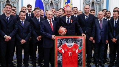 Photo of الرئيس بوتين يكرم المنتخب الروسي بعد إنجاز المونديال