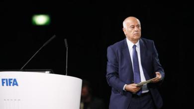 Photo of حرق قميص ميسي يوقف الرجوب عام ويغرمه 12 ألف فرانك