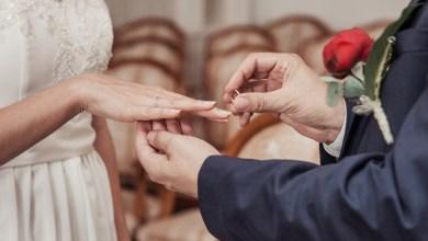 Photo of أنتما مقبلان على الخطوبة ثم الزواج؟ قبل ذلك اطرحا على بعضكما هذه الأسئلة الـ10 رجاءً