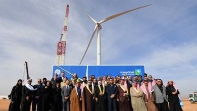 Photo of توليد الكهرباء عبر المراوح والألواح الشمسية قد يعيد الخَضار إلى الصحراء القاحلة