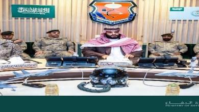 Photo of بن سلمان مع القوات العسكرية بالمنطقة الجنوبية