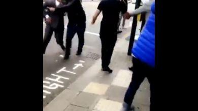 Photo of فيديو متداول: سعوديون يلقنون غانم الدوسري علقة ساخنة في لندن