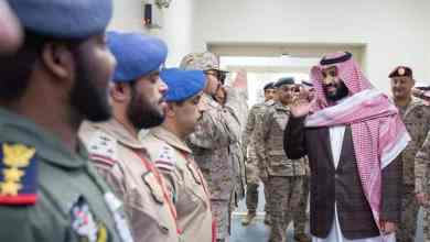 Photo of بالصور: الأمير محمد بن سلمان يزور القوات العسكرية في المنطقة الجنوبية ويستعرض سير عمليات قوات التحالف
