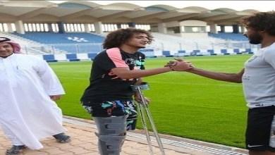 Photo of عموري في مران الهلال على عكازين