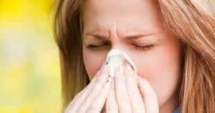 """Photo of تعرّف على """"حمى القش"""" التي تشبه نزلة البرد.. أسبابها وأعراضها والوقاية منها"""