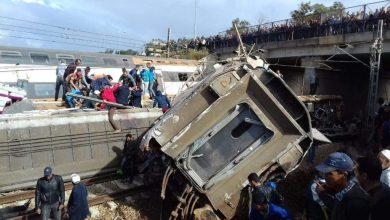 Photo of بالصور والفيديو: جرحى وأنباء عن قتلى إثر انقلاب قطار في المغرب