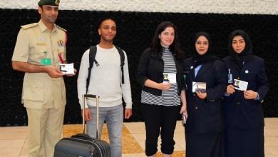 Photo of بالصور: مطارات دبي توزع رسائل تسامح ومحبة من أقوال محمد بن راشد