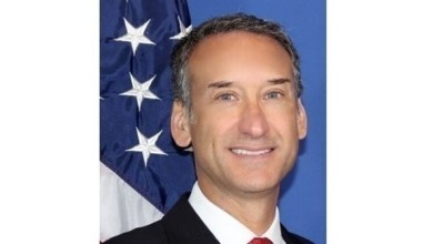 Photo of السفير الأمريكي لـ24: نتمنى للإمارات يوماً وطنياً سعيداً