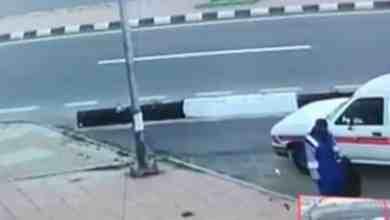 Photo of بعد فيديو دهس أب وابنه.. المرور: عبور المشاة للطرق السريعة مخالفة