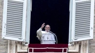 Photo of البابا يدعو للصلاة عبر الإنترنت
