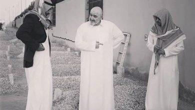 Photo of بالصور.. الوليد بن طلال وأخوه خالد في زيارة لقبر والدهما