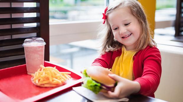 طرق فعالة لعلاج السمنة عند الأطفال