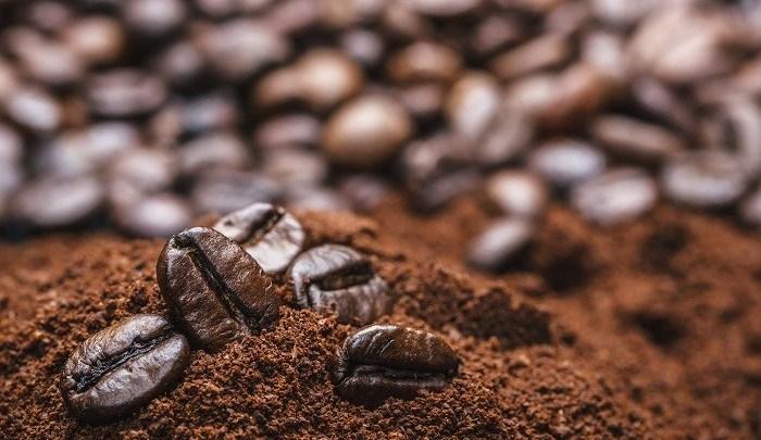 مكعبات القهوة المذهلة للعناية ببشرتك
