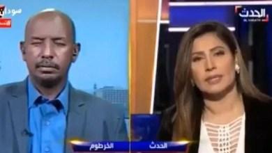 """Photo of ضيف يغط في نوم عميق أثناء مقابلة على الهواء مباشرة مع قناة """"العربية"""" (فيديو)"""