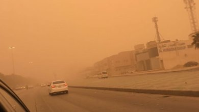 """Photo of """"الأرصاد"""": أتربة وغبار يحدان من مدى الرؤية على مكة والمدينة والشرقية والرياض"""