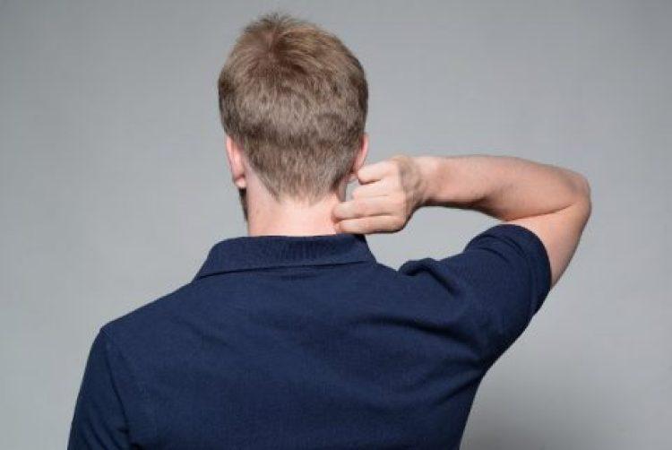 أسباب الصداع الخلفي والدوخة