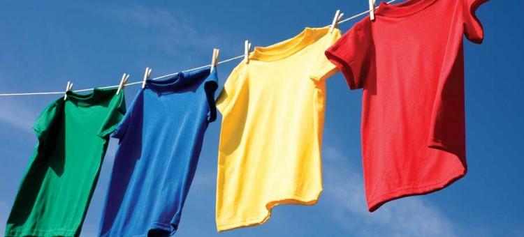 طريقة غسل الملابس القطنية الملونة