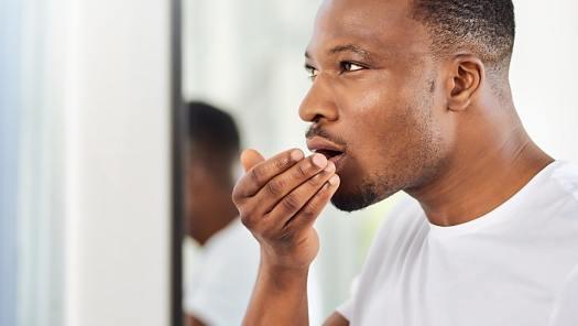 رائحة الفم الكريهة و وصفات للتخلص منها .