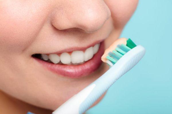 فوائد ملح الطعام للأسنان
