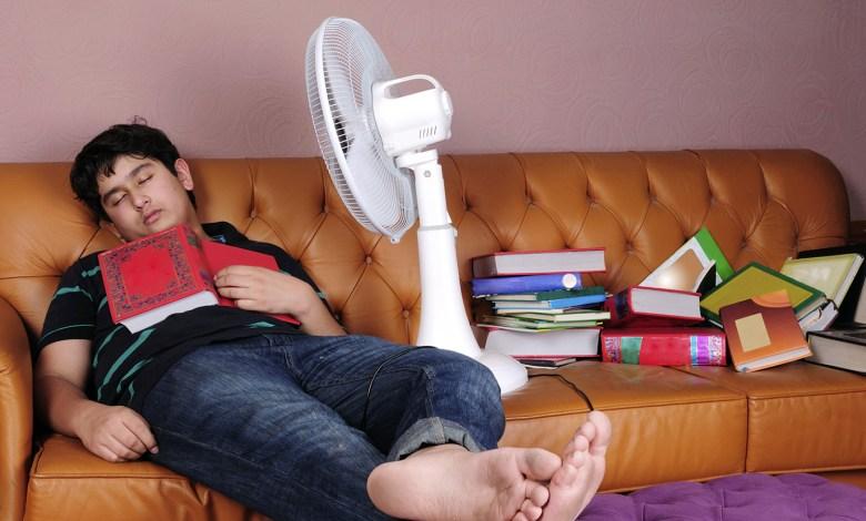 Photo of أضرار النوم أمام المروحة