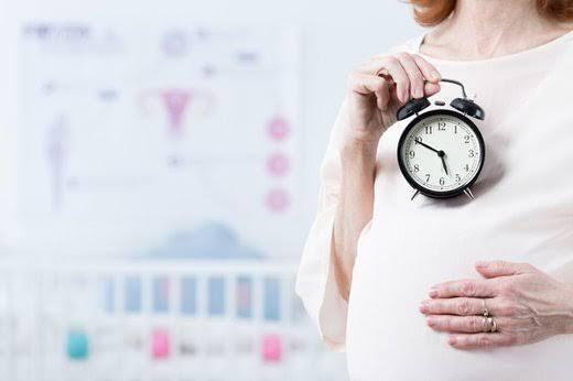 فرص الحمل بعد سن الأربعين