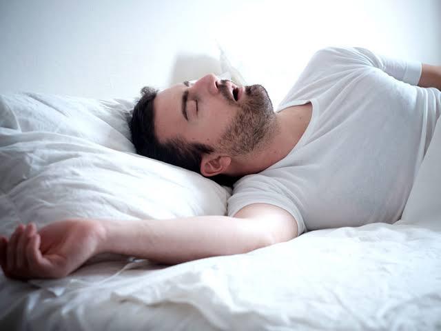 التنفس بصعوبة وقت النوم ؤلم جدا