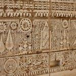 صورًا لزخارف تاريخية في حائل يخشى عليها من الاندثار