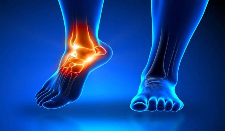 علاج وجع القدمين بسبب الوقوف .
