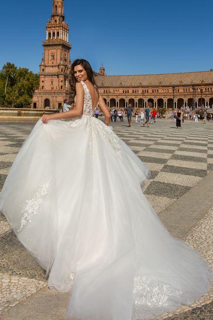 زفاف أبيض