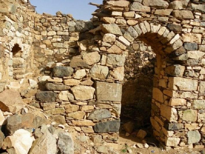قلعة شمسان العثمانية بابها