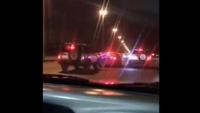 Photo of فيديو.. مرور الرياض يضبط سائقين متهورين أحدهم يستخدم مسطرة إضاءة الدوريات الأمنية